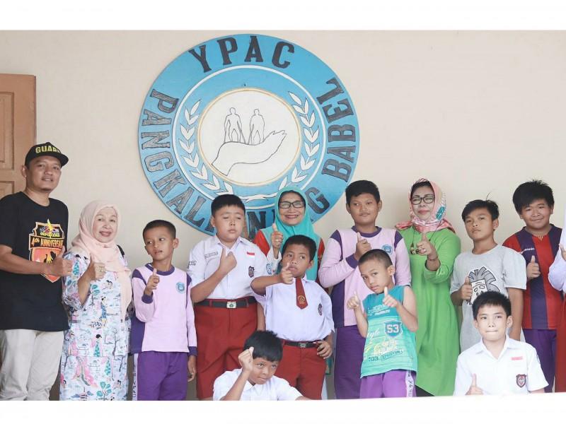 Bakso Qta Berbagi Kebahagiaan Bersama Ratusan Anak YPAC Pangkalpinang