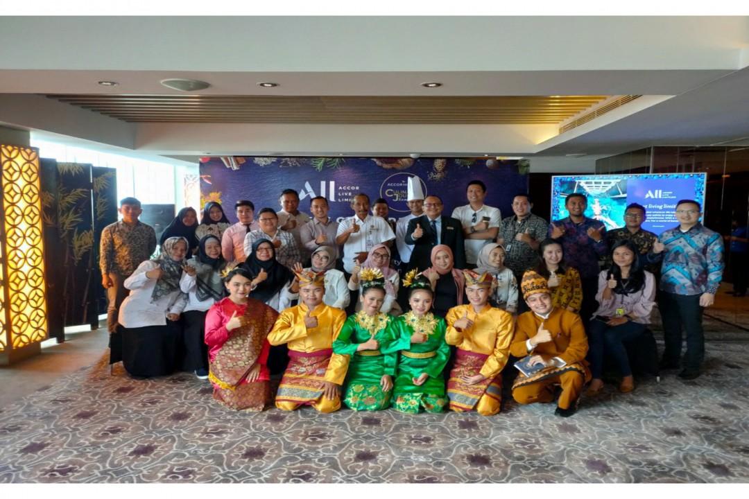 Perkenalan Lempah Kuning di Program Food Culinary Journey yang diselenggarakan di Executive Lounge Lantai 11, Novotel Bangka (Foto : Novotel Bangka)