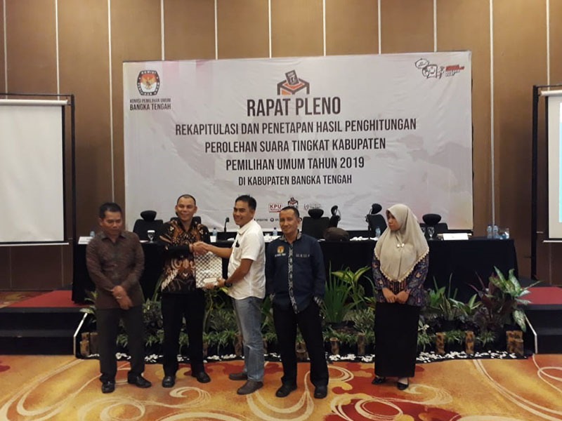 Pleno Rekapitulasi Bateng Selesai, Hasilnya Bisa Dilihat di Website KPU Bangka Tengah