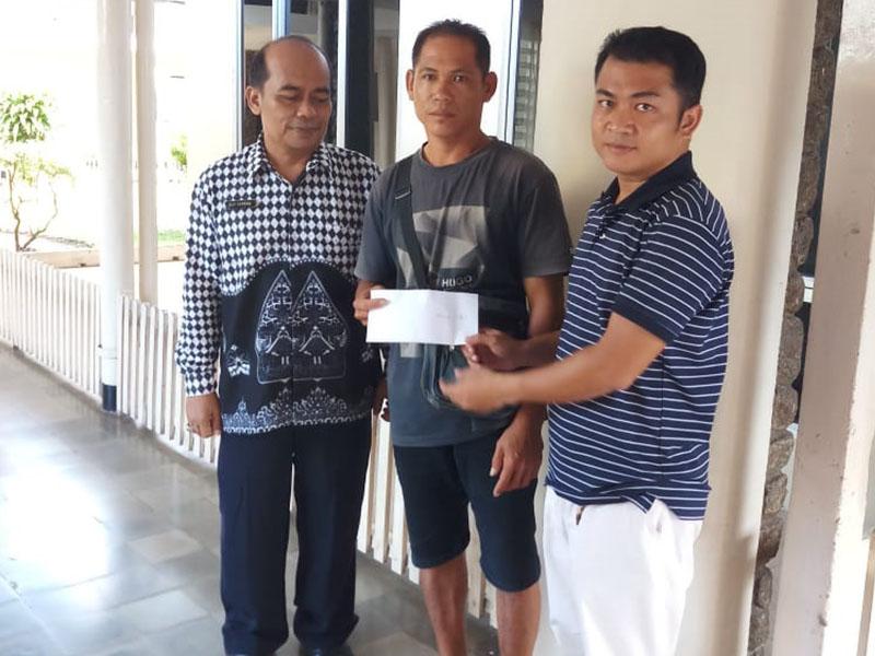 Semari Kabupaten Bangka Bantu Korban Kecelakaan