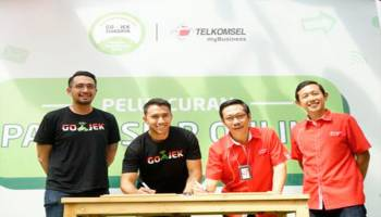 Bantu Ringankan Pengeluaran Pulsa, GO-JEK dan Telkomsel Luncurkan Paket Siap Online