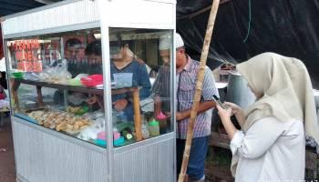 Berkah Bulan Ramadhan, Pedagang Pempek Raih Omset Rp2,5 Juta Per Hari