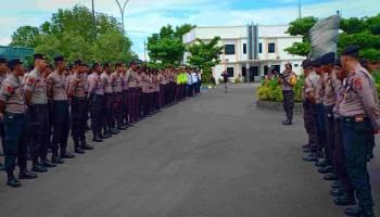 Breaking News : Anggota Kepolisian Gelar Apel Pengamanan di Kantor PT Timah