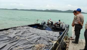 Breaking News : Kapal 2.100 PK Bermuatan Miras Asal Kepri Diamankan Polda Babel