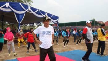 Bupati Bangka Tengah Bedincak Bersama Ratusan Masyarakat Pangkalanbaru
