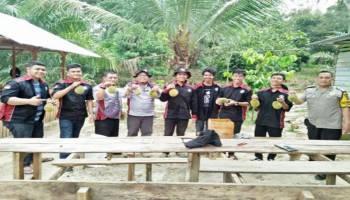Enaknya KKN di Wilayah Kerajaan Sriwijaya, Hari Pertama Langsung Disambut Pesta Durian