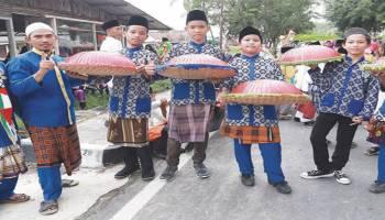 Foto-Foto Pawai Budaya Hiasi HUT Kota Sungailiat