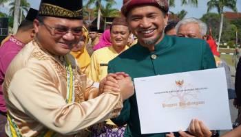 GM PLN Babel Terima Penghargaan Lingkungan dari Gubernur Erzaldi
