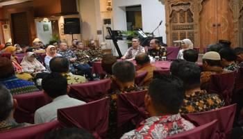 Gubernur Erzaldi Rosman Adakan Rapat Evaluasi Usai Kunjungan di Yogyakarta dan Surabaya