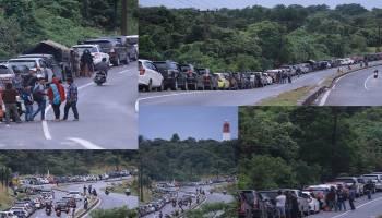 Parade Foto Suasana Antrian Panjang di Pelabuhan Tanjung Kalian Muntok