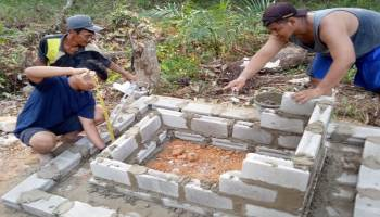 Pengen  Bekas Kota Kerajaan Sriwijaya Mendunia,  Mahasiswa UBB Bangun Tugu 120 Cm