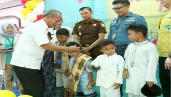 PT Timah Khitan 110 Anak di Muntok
