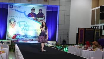 Sonia Fergina Citra Rayakan Natal di Belitung