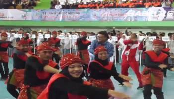 VIDEO Aksi Menteri Tjahjo Kumolo Bedincak Pada Pembukaan Pornas XV Korpri di Babel