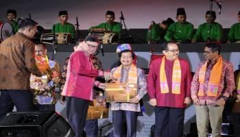 Wagub Abdul Fatah Terima Sertifikat Penetapan Lembar Warisan Budaya Tak Benda 2019