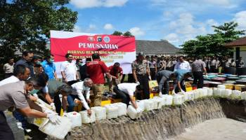 Wagub Apresiasi Pemusnahan Ribuan Liter Miras
